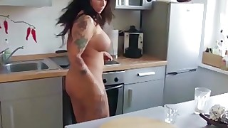 He Caught His German Step-Mom naked and Seduce to Fuck