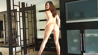 Gorgeous Lily Carter dildo video